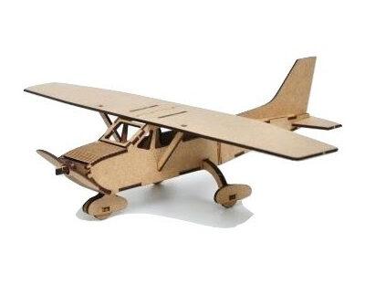 מטוס עץ
